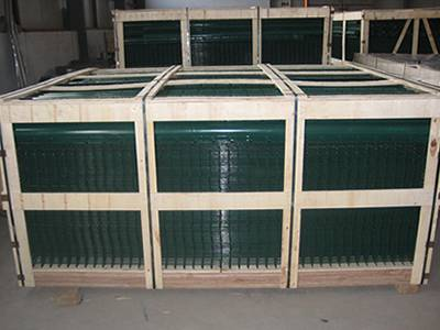 Dark-green PVC coated welded wire mesh panels packaged in wooden box