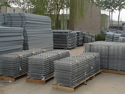 workers are packing GAW welded wire mesh panels in our factory yard