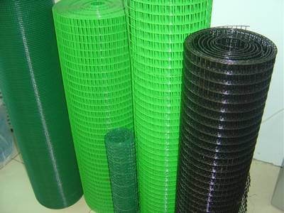 PVC coated welded wire mesh rolls in green, light-green and black colors