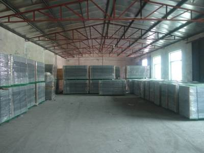 PVC coated welded wire mesh panels wrapped in plastic film and wrapped in plastic film then with wire tied