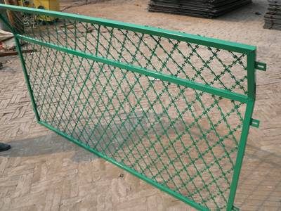 Straight Razor Wire – Single Wire or Fence Panel for Site Security