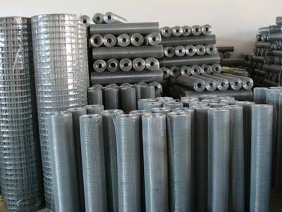 Our welded wire screen rolls warehouse