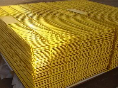 Yellow PVC coated welded wire mesh panels on steel pallet